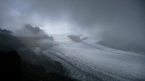 Skaftafellsjokul, foggy glacier in Skaftafell
