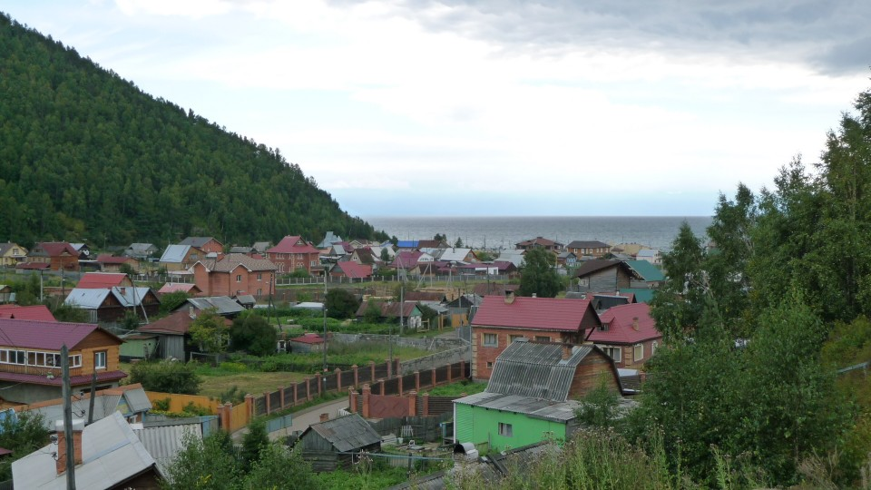 listvyanka   say hi to lake baikal
