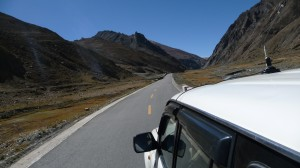 Road between Shigatse and E.B.C., 1