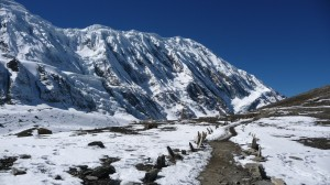 Snowy way to Tilicho Lake, Annapurna, Nepal