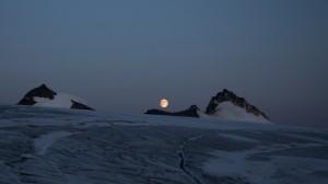 Moon rise, Greenland